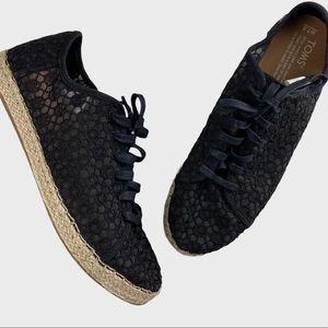 Toms Lena Crochet Lace Up Sneakers Black Size 7.5